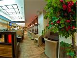 Бульвар, городское кафе